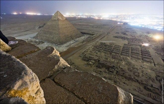 Raskalov: The lights of Cairo look like an encroaching sea of fire